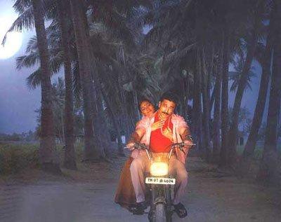 Virumandi [2004]: Kamal Haasan's Vehement Tale of Foolhardy